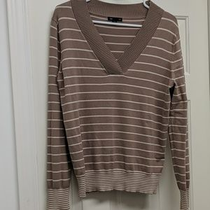 Gap V-Neck Sweater Size Large
